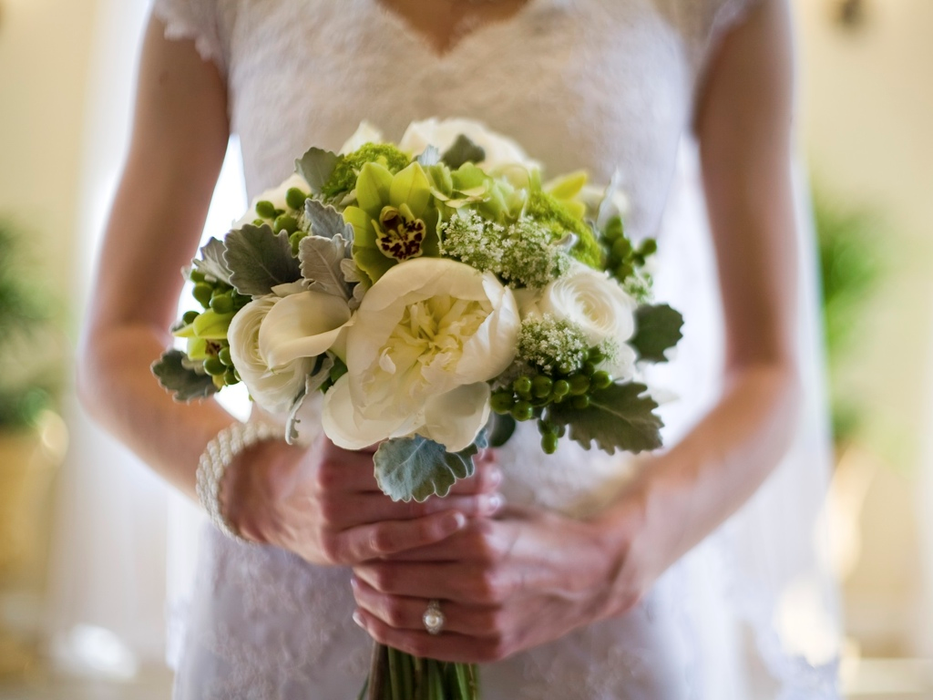 Classic White Green Grey Wedding Bouquet Florist In Utah Calie Rose