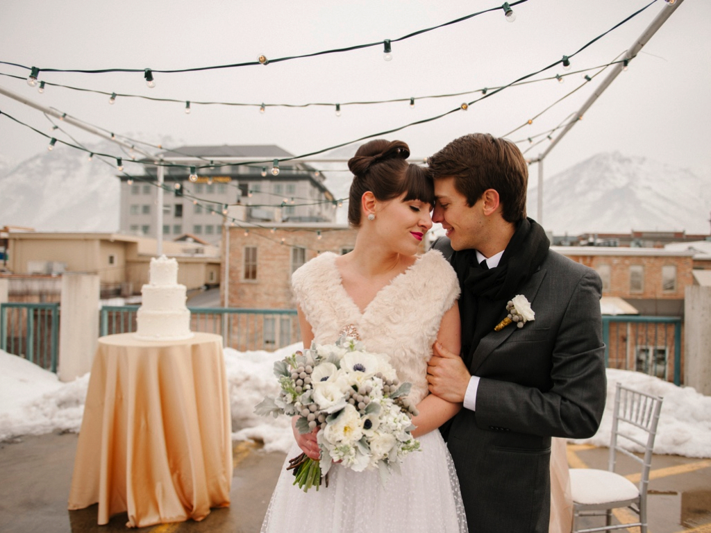brooke schultz photography winter rooftop wedding inspiration silver gold wedding flowers utah calie rose