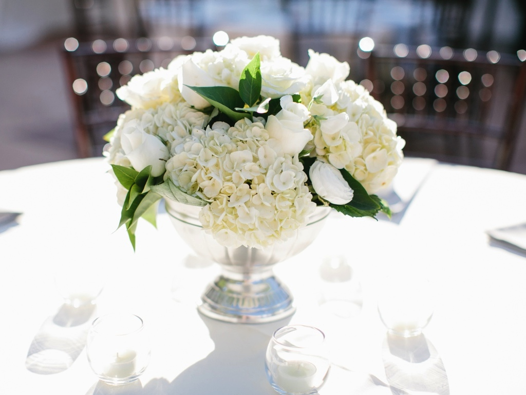 Take a look at the best white wedding flowers centerpieces in the photos below and get ideas for your wedding flowers! White Hydrangeas, roses, babies Breathe Tall Floral Arrangements for Weddings Image source. What others are saying.