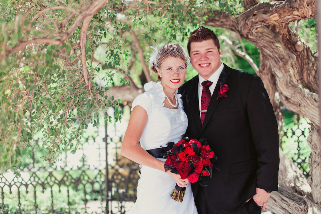 modern classic red black wedding flowers bouquet utah calie rose stephanie sunderland photography