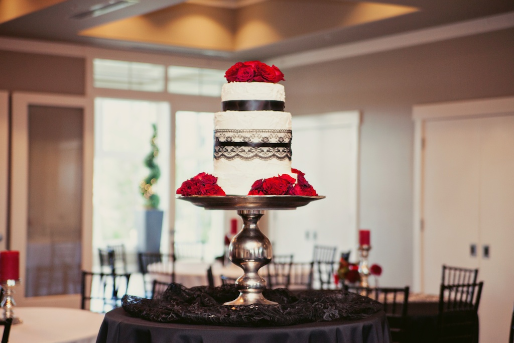 red rose wedding cake flowers utah calie rose sleepy ridge weddings stephanie sunderland photography