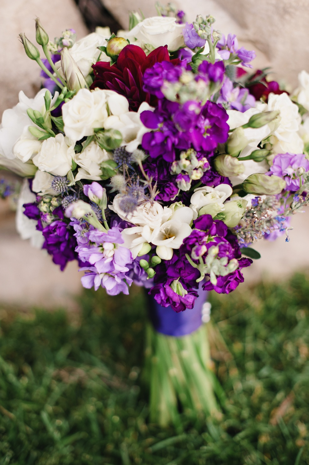 purple white wedding flowers bouquet utah florist calie rose Sundance resort purple wedding mikki platt photography