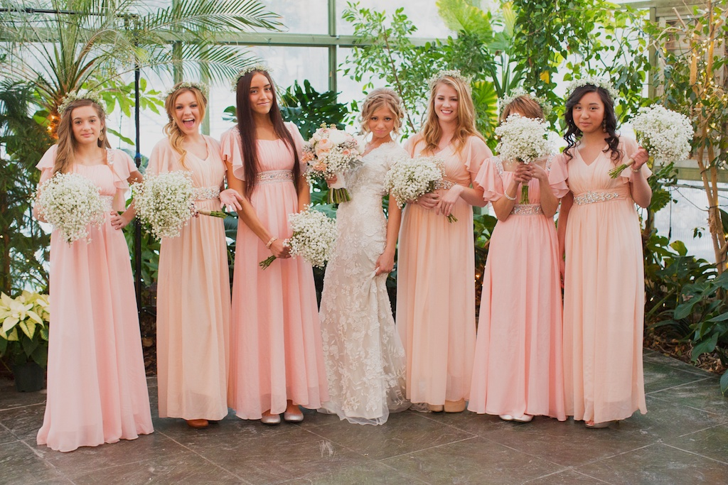 Jane Austen Inspired Wedding flowers utah calie rose alixann loosle photography La Caille Utah Wedding flowy blush bridesmaids dresses babies breath bouquets