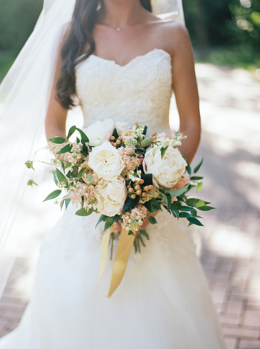 La Caille Wedding, La Caille Utah Summer Wedding, Wedding Flowers Utah Calie Rose, stunning summer wedding bouquets, blush peach ivory wedding, muted soft wedding bouquets colors, la caille utah, jacque lynn photography