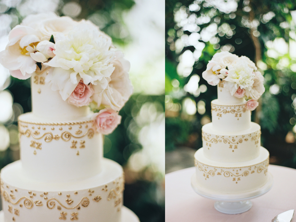 La Caille Utah Summer Wedding, stunning wedding cakes, peony garden rose wedding cake, gold ivory wedding cake, wedding flowers utah calie rose, jacque lynn photography