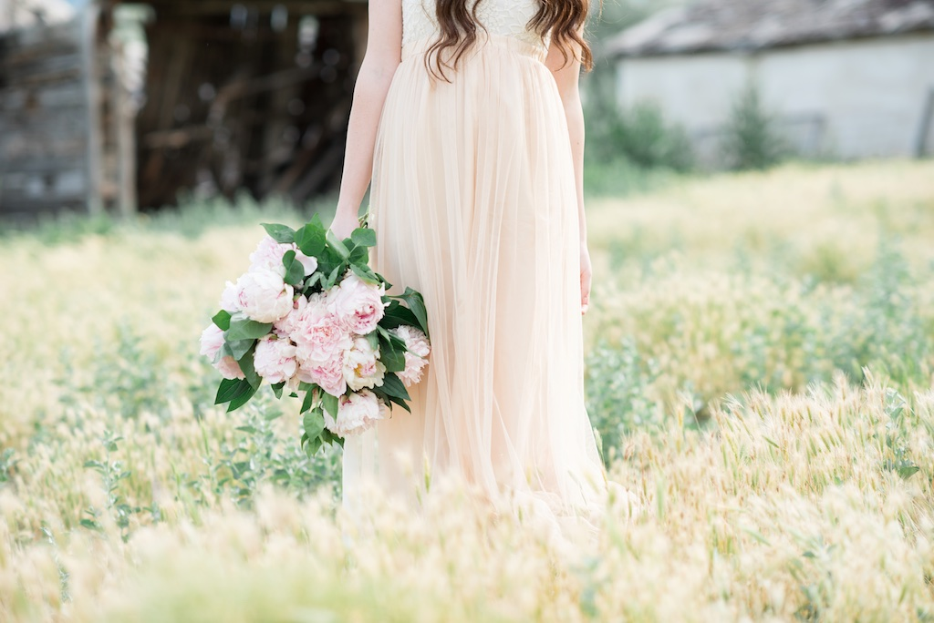 blush wedding flower ideas calie rose