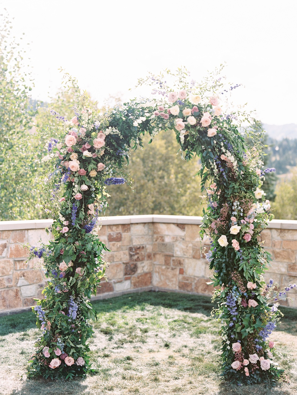 Ceremony flower arch, ceremony arches, beautiful flower arches, wedding ceremony flower arch ideas, Utah destination wedding, wedding flowers utah calie rose www.calierose.com