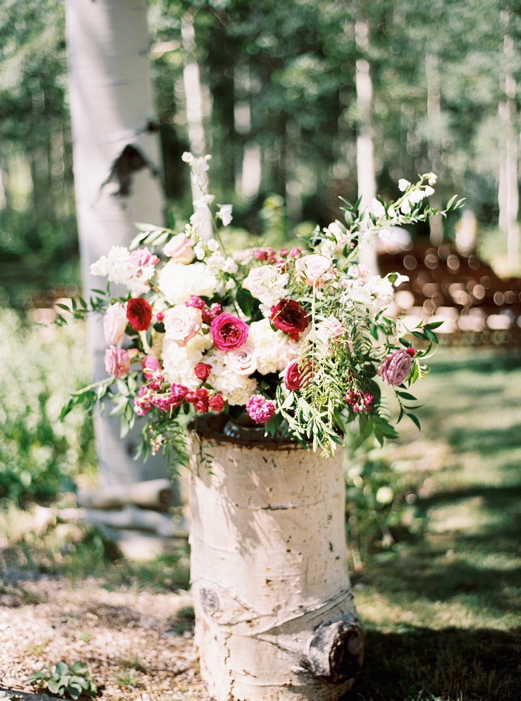 aspen meadows at wolf creek ranch destination park city utah wedding flowers calie rose ceremony arrangements on aspen logs